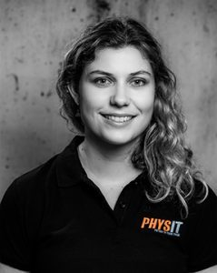 Lizzie Hewitt, Massage Therapist at Physit